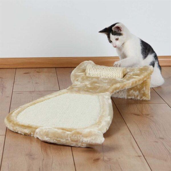 Дряпка-коврик Кот с роликом для кошек Trixie бежевая 34х67 см.