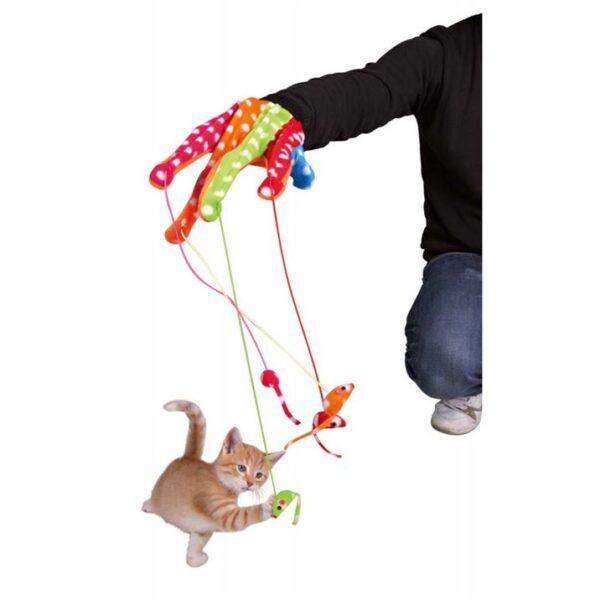 Игрушка для кошек - Перчатка цветная с 4 подвесками Trixie плюш