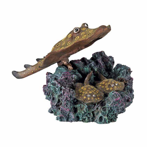 Декорация для аквариума – Скат с распылителем Trixie 18 см.